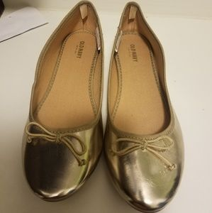 Old Navy Gold Flats Size 9